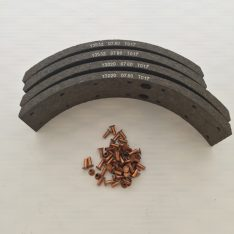 Rear drum brake lining set